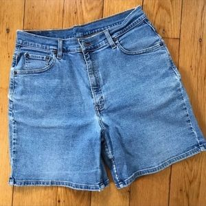 Levi's 550 High Waisted Shorts 12